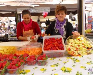 piazza erbe Market veronafruitsaladmacedoniafrutta-299557_600x480